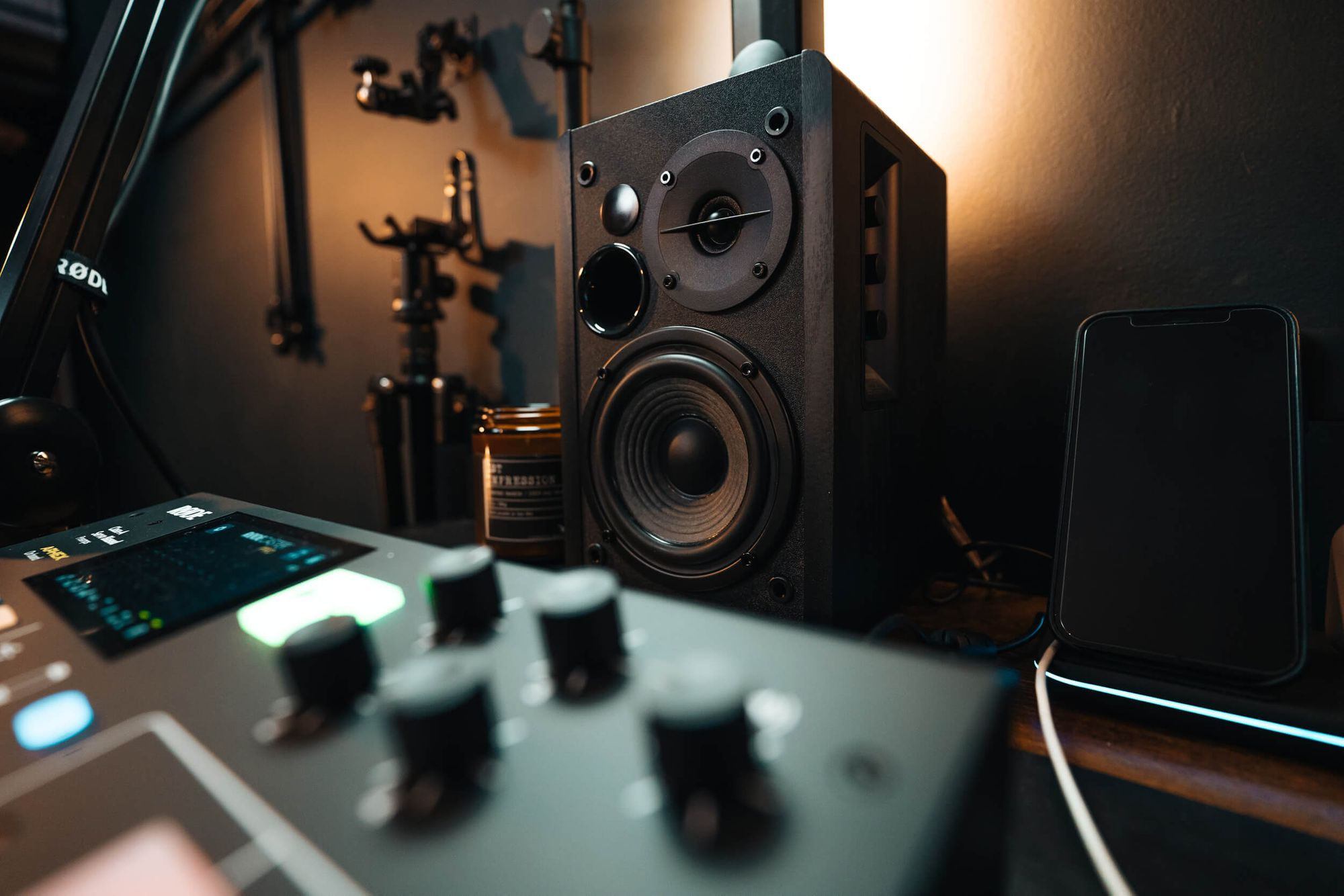 Edifier R1280DB Bluetooth bookshelf speakers that Ian ordered off Amazon