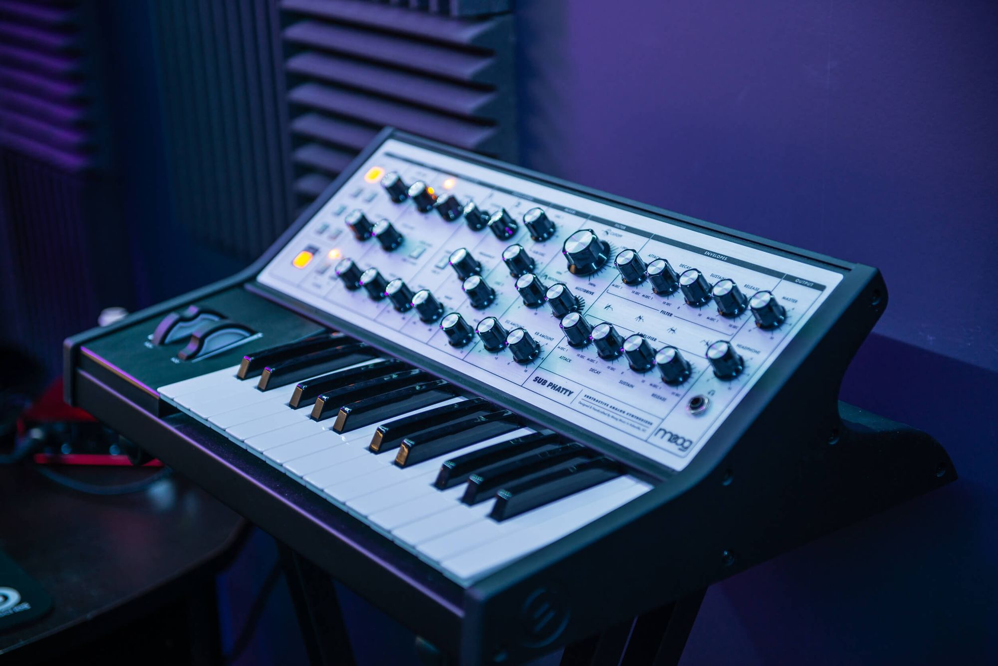 Moog Sub Phatty is a portable analogue synth featuring rich, vintage sound