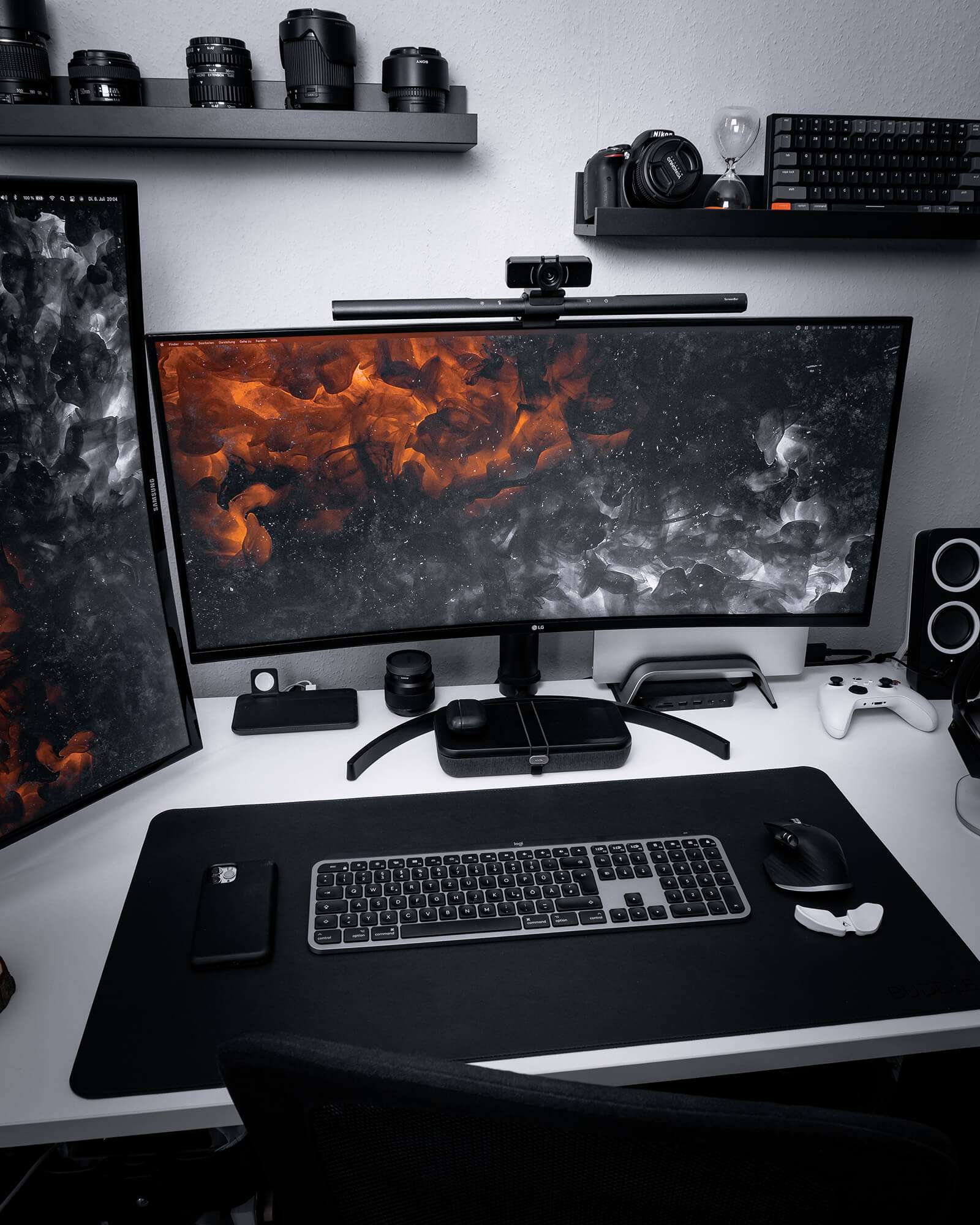 Uli uses the iVANKY USB-C hub to connect his MacBook Pro to dual monitors