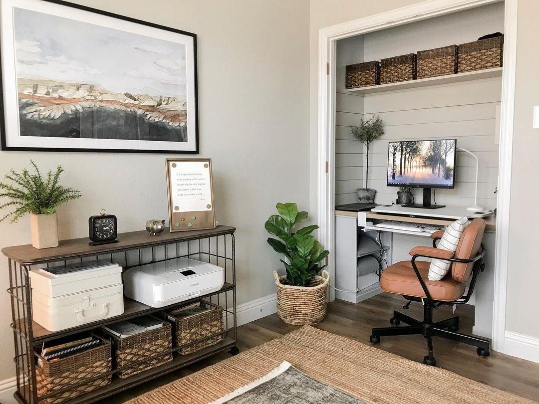 Doorless cloffice setup in real life