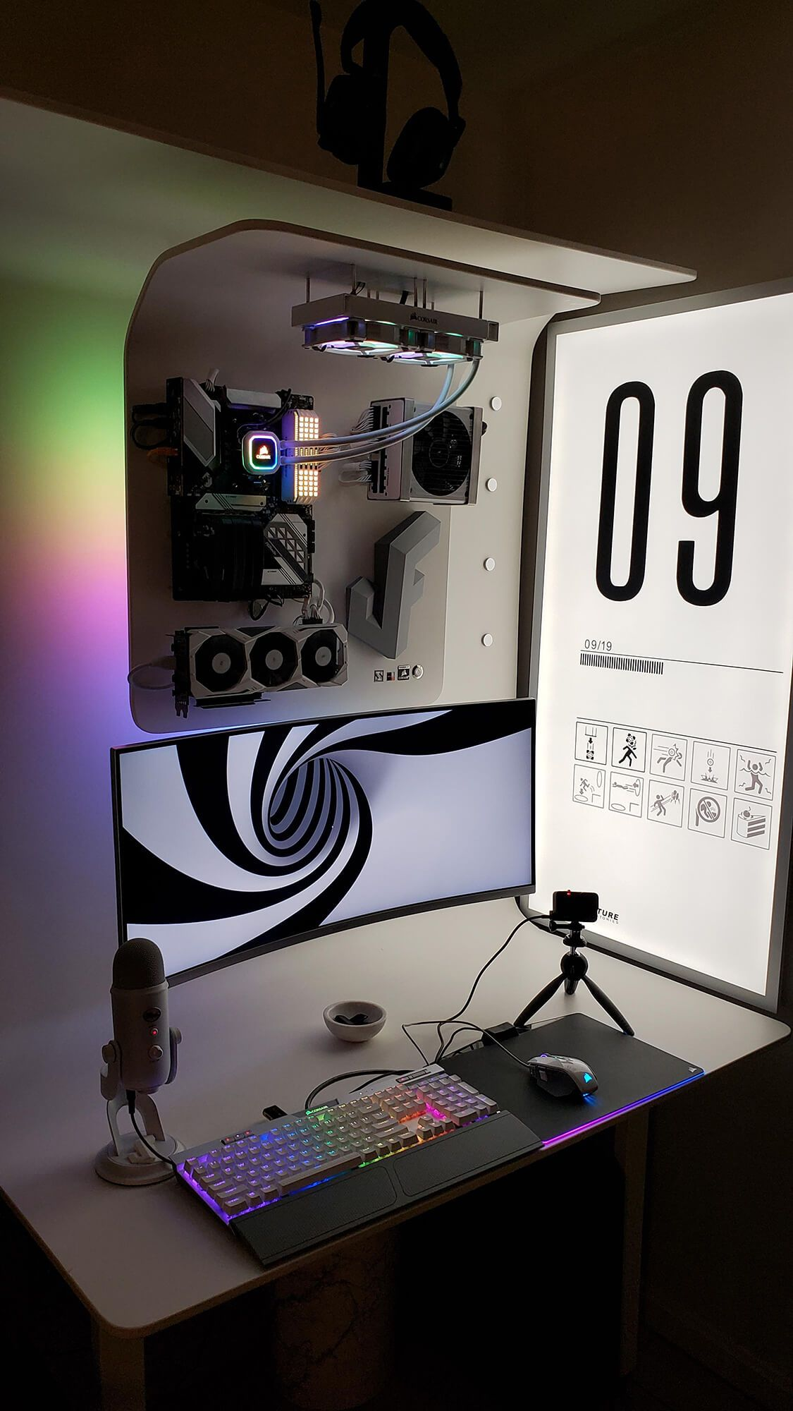 Futuristic DIY battlestation